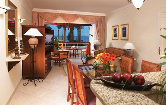 suites (family suite.ideal for family escapes . alla ground floor units consist bedroom, a living room a sofa bed , and a fully - equipped kitchen.